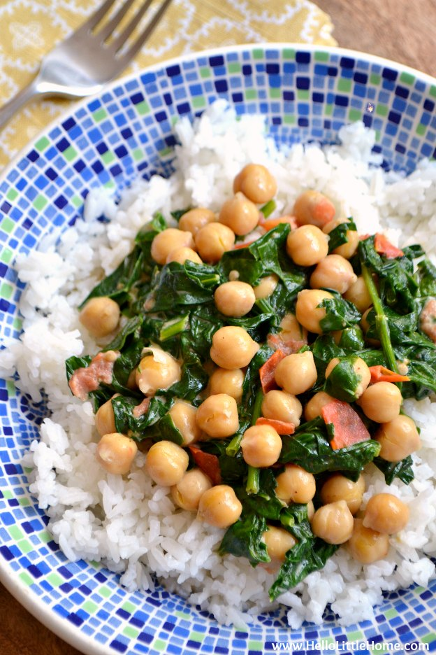 Quick Coconut Curry with Chickpeas and Spinach ... Get this easy recipe + 100 other vegetarian winter recipes that are perfect for any occassion! | Hello Little Home