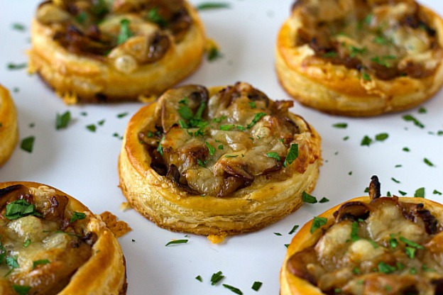 40+ Thanksgiving Recipes: Carmelized Onion, Mushroom, and Gruyere Tartlets | Hello Little Home