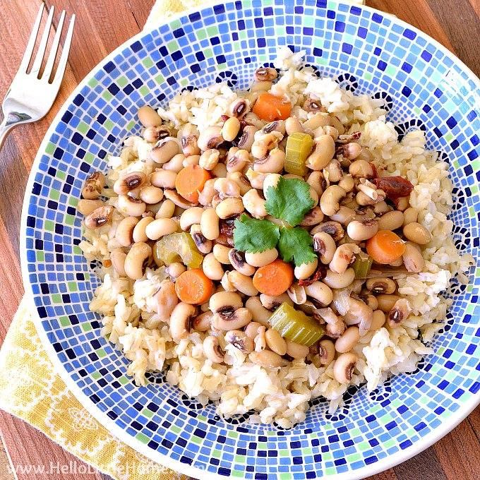Vegetarian Black Eyed Peas Recipe Made in the Slow Cooker