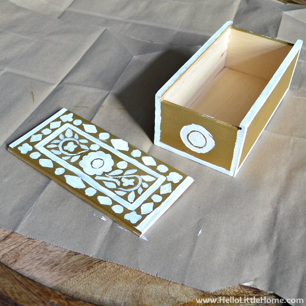 DIY Faux Inlay Box: Painting Patterns on Box | Hello Little Home #craft #DIY
