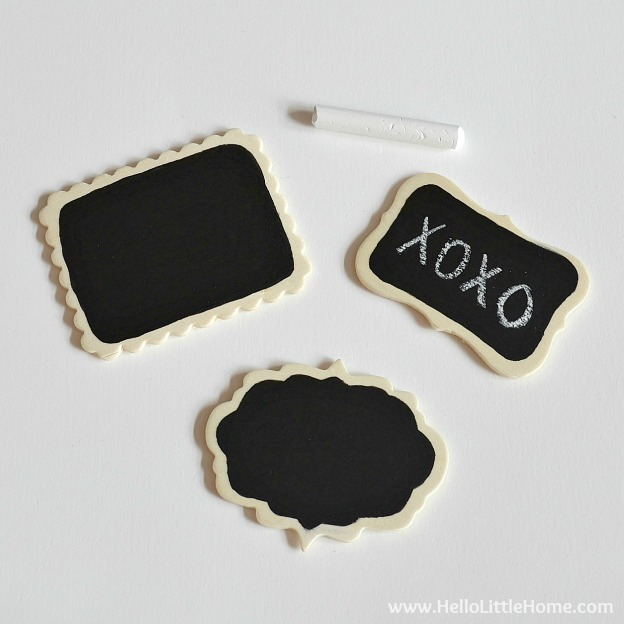 Looking for a quick + fun project? These DIY Mini Chalkboard Magnets are it! These little magnets take minutes to make. | Hello Little Home