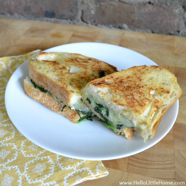 Broccoli Rabe and Provolone Grilled Cheese ... yum! Get this easy recipe + 100 other vegetarian fall recipes that are perfect for any occassion! | Hello Little Home