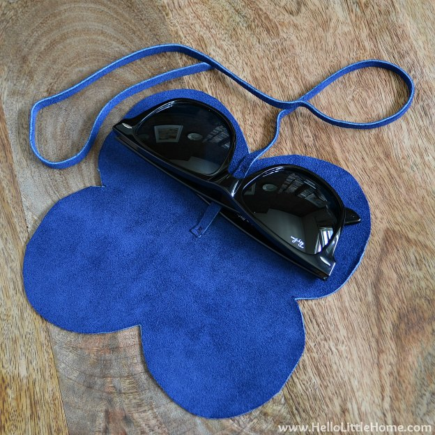 DIY Sunglasses Case: Strapping in Glasses | Hello Little Home #tutorial