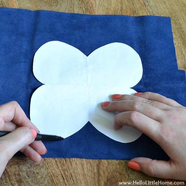 DIY Sunglasses Case: Tracing Template | Hello Little Home #tutorial