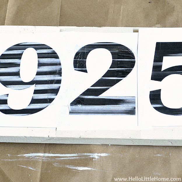 DIY Vintage Number Sign: Laying Out Numbers | Hello Little Home #craft #distressed #wood