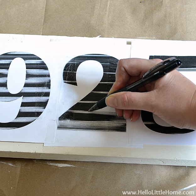 DIY Vintage Number Sign: Tracing Numbers | Hello Little Home #craft #distressed #wood