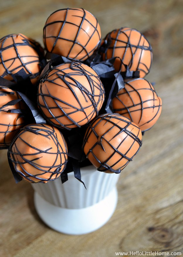 How to get free stuff! Take a free Craftsy class, plus learn how I made these easy cake pops! | Hello Little Home