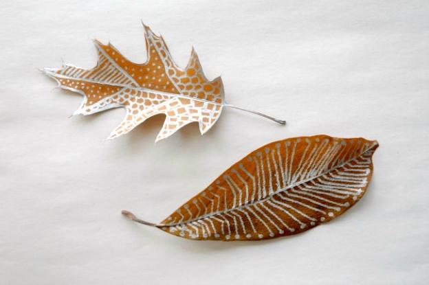 Fall DIY Ideas: Fall Leaf Doodles by Mod Podge Rocks   Hello Little Home #DIY #crafts
