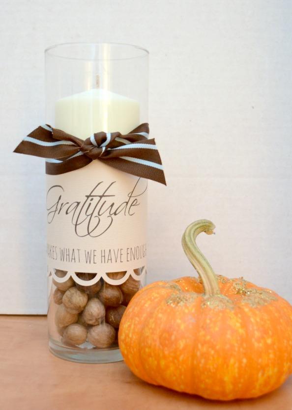 Fall DIY Ideas: Gratitude Centerpiece by One Artsy Mama   Hello Little Home #DIY #crafts