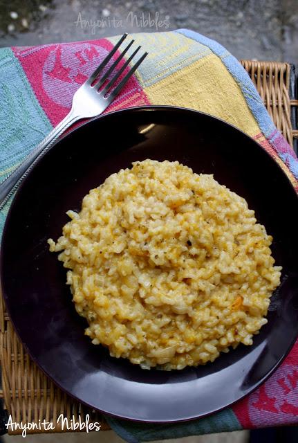 15 Vegetarian Crockpot Recipes: Pumpkin Risotto | Hello Little Home #Italian