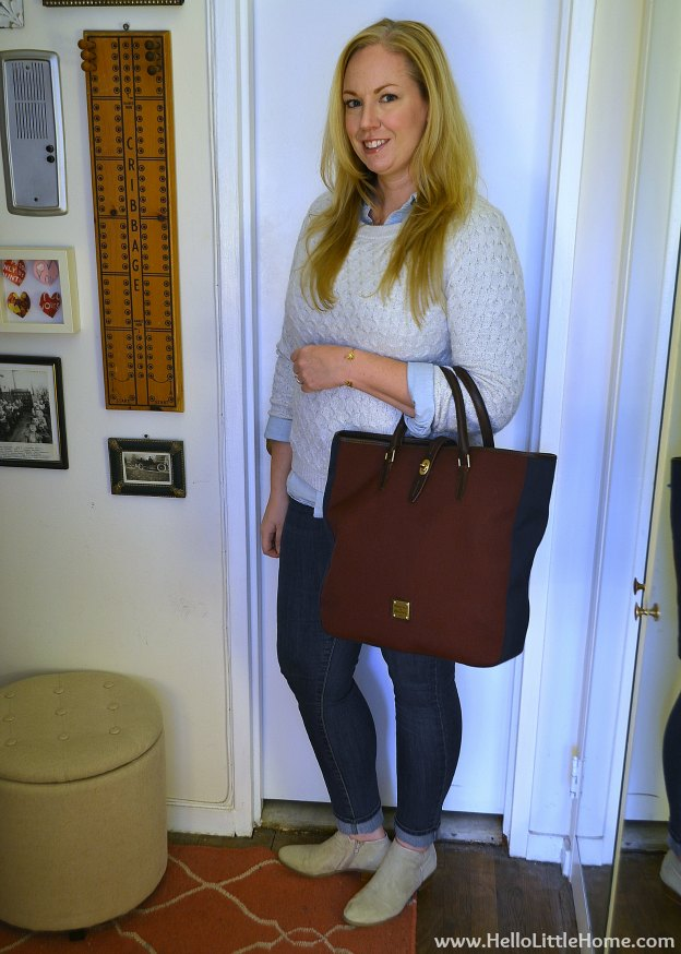 Casual Holiday Outfit | Hello Little Home #style #fashion #WinterStyle