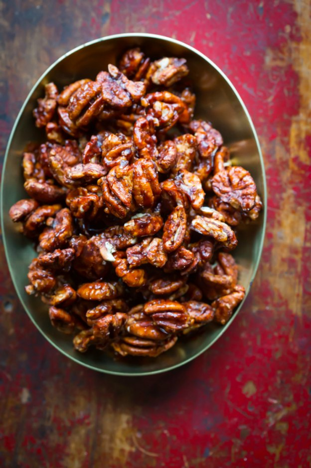 DIY Gift Ideas for Everyone: Chocolate Chili Spiced Pecans | Hello Little Home #crafts #holidays #Christmas