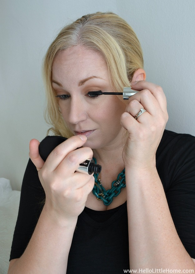 Easy Day to Night Makeup: Applying Mascara | Hello Little Home #beauty #tutorial #holidaymakeup