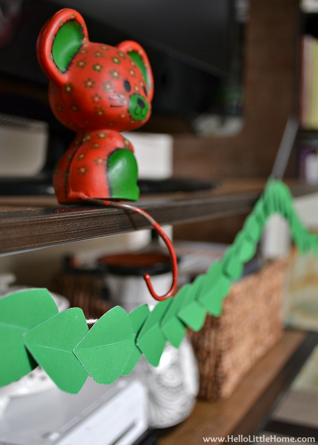 Holiday Apartment Tour: Paper Leaf Garland | Hello Little Home #Christmas #holidays #DIY