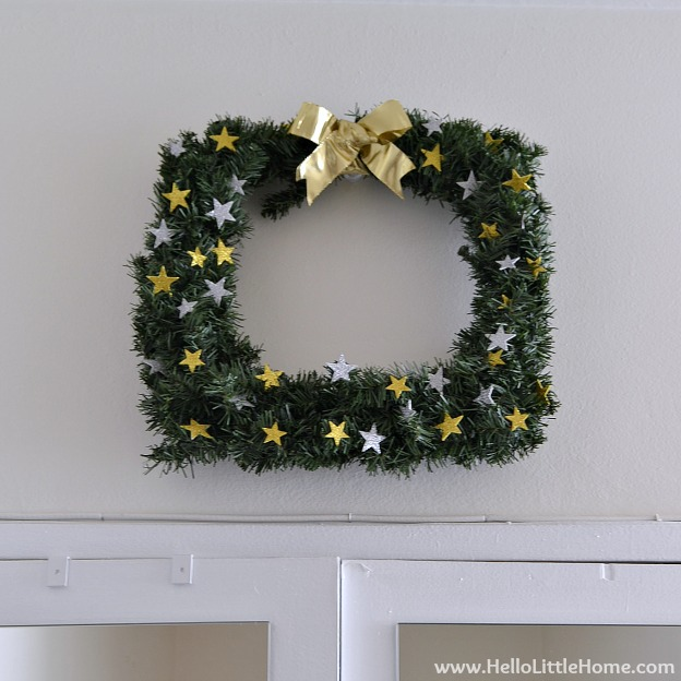 Holiday Apartment Tour: Square Wreath | Hello Little Home #Christmas #holidays #DIY