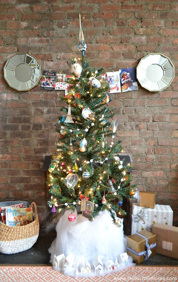 Holiday Apartment Tour: Tree | Hello Little Home #Christmas #holidays #DIY