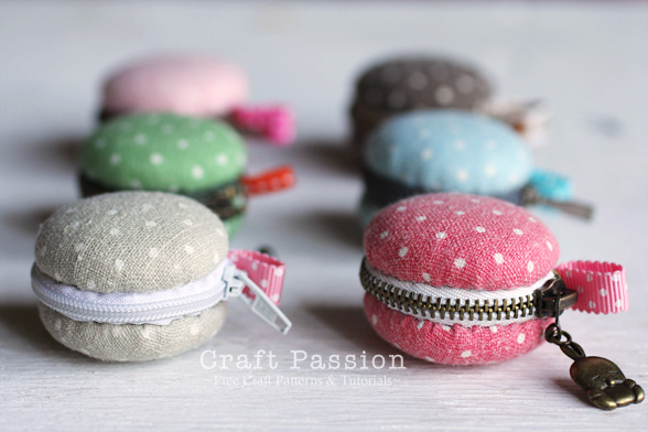 DIY Gift Ideas for Everyone: Macaron Coin Purses | Hello Little Home #crafts #holidays #Christmas