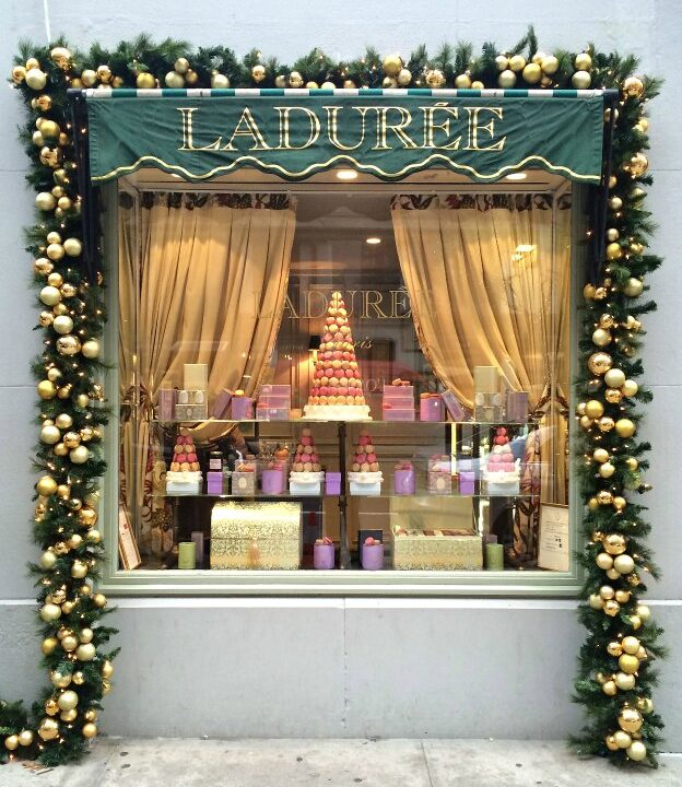 New York Holiday Tour: Laduree | Hello Little Home #Christmas #NYC #5thAvenue #MadisonAvenue