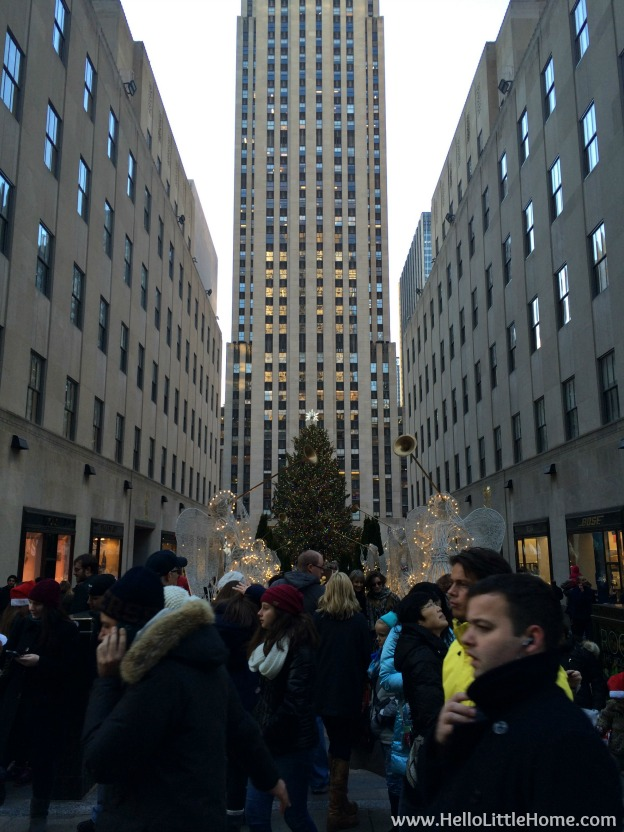 New York Holiday Tour: Rockefeller Center | Hello Little Home #Christmas #NYC #5thAvenue #MadisonAvenue