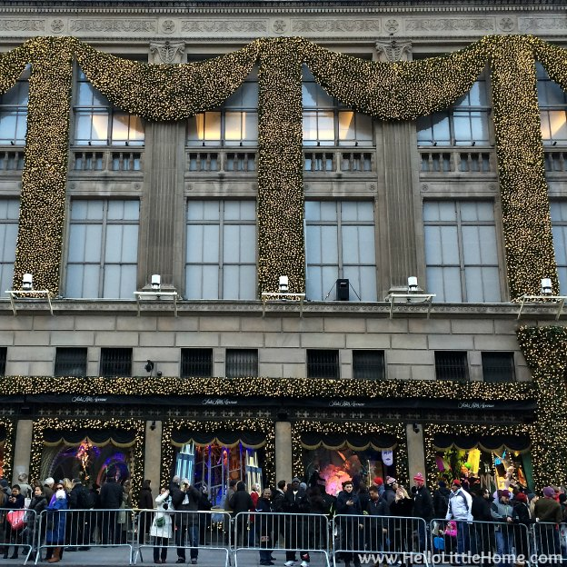 New York Holiday Tour: Saks Fifth Avenue | Hello Little Home #Christmas #NYC #5thAvenue #MadisonAvenue