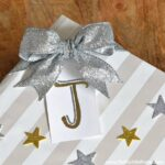 Easy Gift Wrap Ideas: Stars, Stripes & Glitter | Hello Little Home #Christmas #holidays