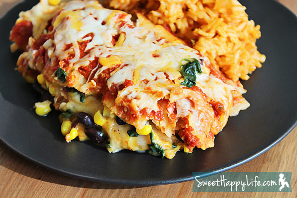 15 Vegetarian Crockpot Recipes: Slow Cooker Enchiladas | Hello Little Home #Mexican