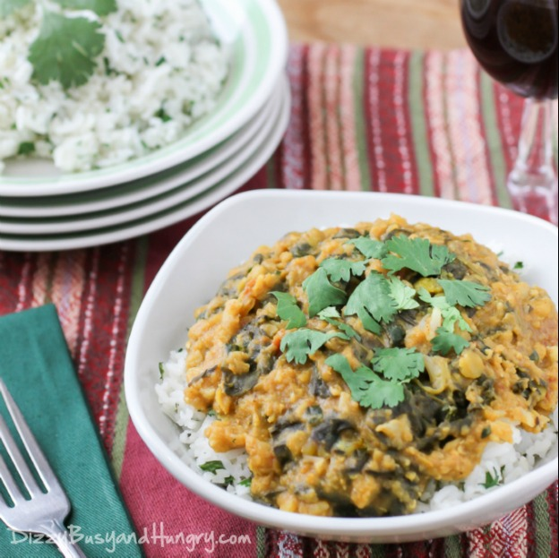 15 Vegetarian Crockpot Recipes: Slow Cooker Red Lentil Curry | Hello Little Home #Indian