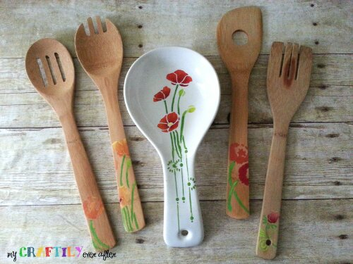 DIY Gift Ideas for Everyone: Stenciled Kitchen Utensils | Hello Little Home #crafts #holidays #Christmas