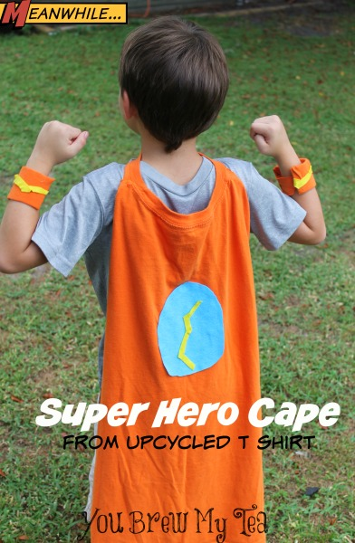 DIY Gift Ideas for Everyone: Super Hero Cape | Hello Little Home #crafts #holidays #Christmas