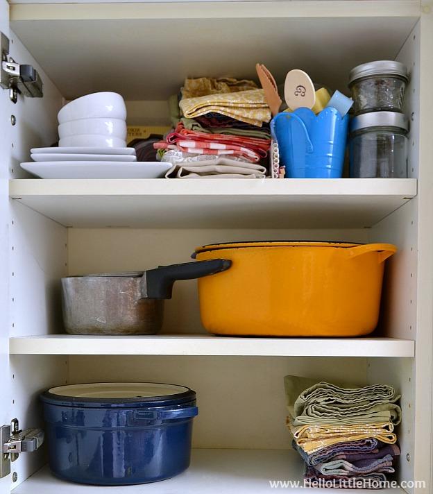 Organizing a Small Kitchen: Keep Cabinets Organized