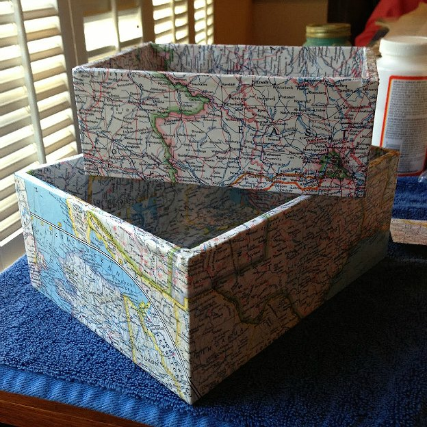 DIY Ideas for Decorating with Maps: Map-Covered Boxes from Craft Dictator | Hello Little Home #MapCrafts #PaperCrafts #InteriorDesign