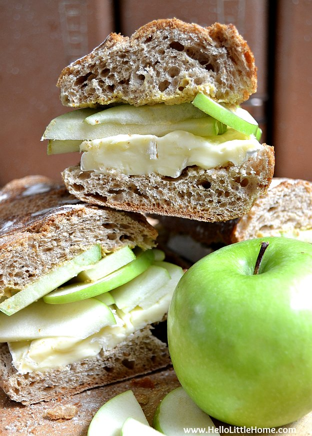 Treat yourself to a decadent, yet easy to make Brie and Apple Sandwich! | Hello Little Home #vegetarian