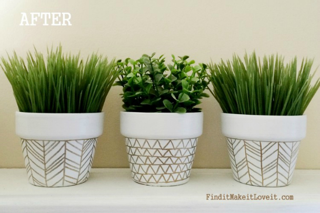 20 diy gold home decor projects for Clay pots designs