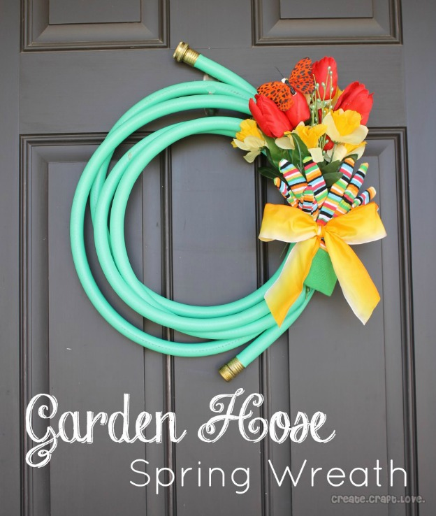 Spring DIY Projects: Garden Hose Wreath from Create Craft Love | Hello Little Home