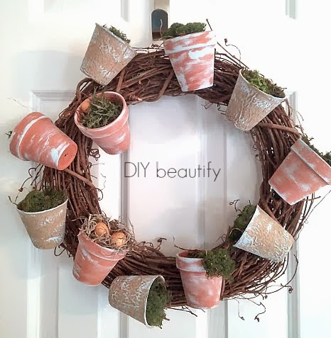 Spring DIY Projects: Flower Pot Wreath from DIY Beautify | Hello Little Home