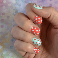 Add a little fun to your manicure with this Easy Polka Dot Nail Art! | Hello Little Home