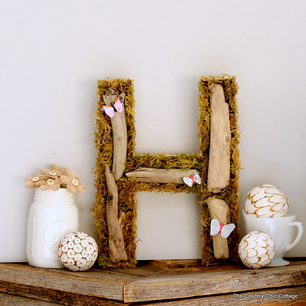 Spring DIY Projects: Woodland Spring Monogram from The Country Chic Cottage | Hello Little Home