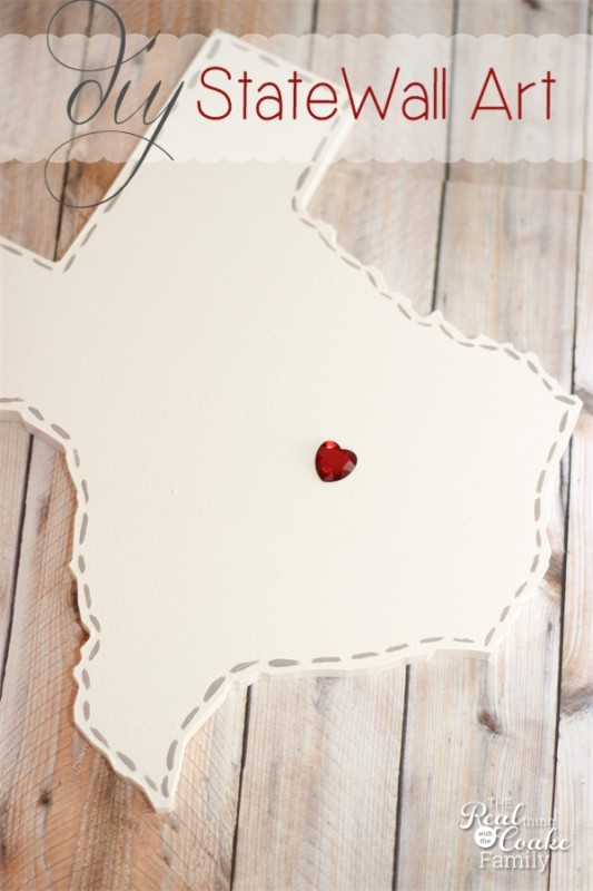 15 Easy DIY Wall Art Projects: DIY State Wall Art | Hello Little Home #crafts #artwork