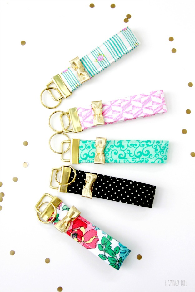 15 DIY Fashion Accessories You Can Make: Kate Spade Inspired Key Fob from Flamingo Toes | Hello Little Home