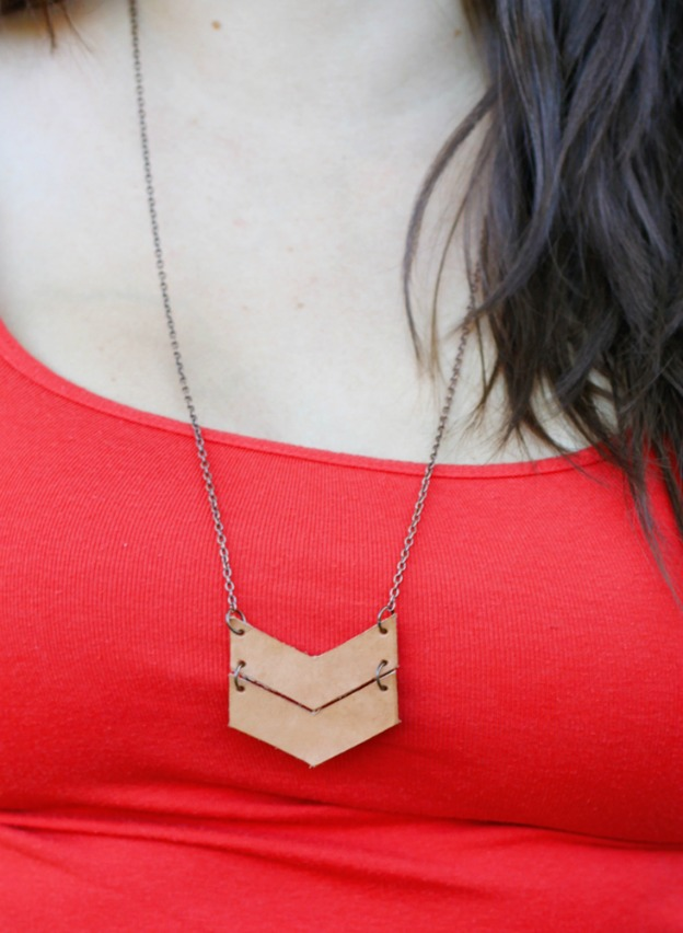 15 DIY Fashion Accessories You Can Make: Leather Chain Jewelry from small + friendly | Hello Little Home