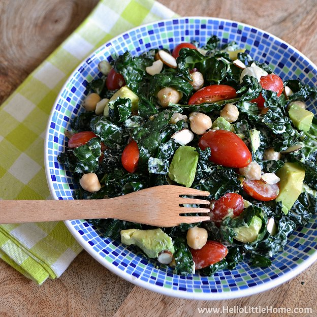 You are going to love this Easy Kale Salad with Lemon Garlic Dressing! Get this easy recipe + over 60 more vegetarian summer recipes that are perfect for any occassion! | Hello Little Home
