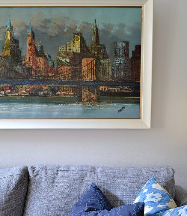 Update dated artwork with an easy picture frame makeover!   Hello Little Home