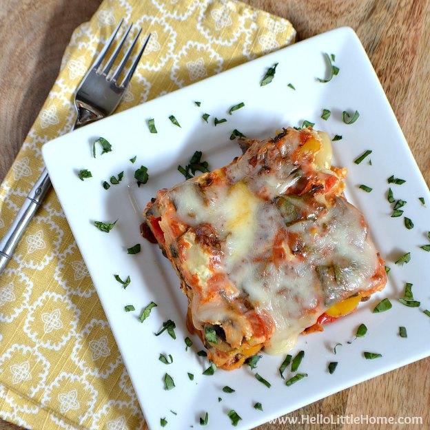 Easy Vegetable Crock Pot Lasagna | Hello Little Home