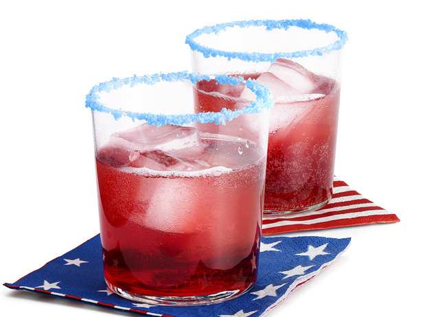 20+ Red, White, and Blue Projects for the 4th of July: Pop Rocks Rimmed Cocktail from Pizzazzerie | Hello Little Home #FourthOfJuly