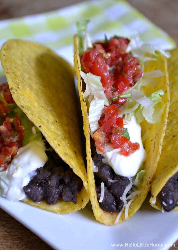 Crunchy Black Bean Tacos with Fresh Salsa ... one of 100 Vegetarian Game Day Recipes! Get ready for the big game with over 100 vegetarian and vegan appetizers, soups, chilis, main dishes, sandwiches, breakfast, desserts, and more that will make your next football watching party unforgettable! | Hello Little Home