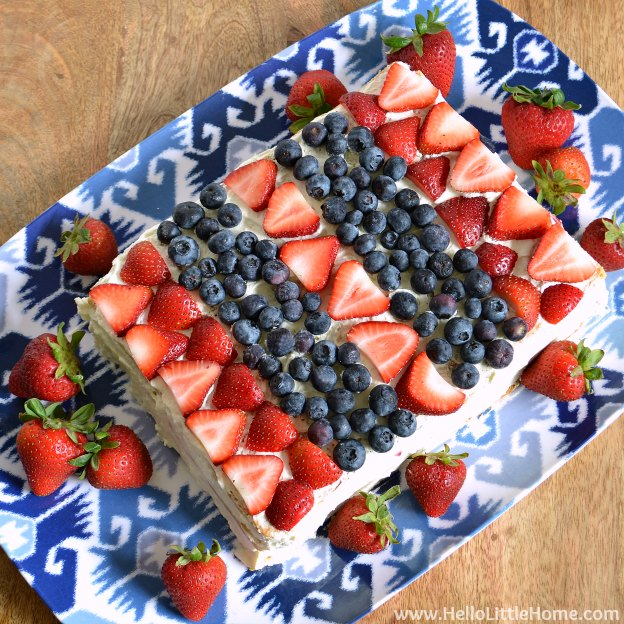 You are going to love this Red, White, and Blue Icebox Cake! Get this easy recipe + over 60 more vegetarian summer recipes that are perfect for any occassion! | Hello Little Home