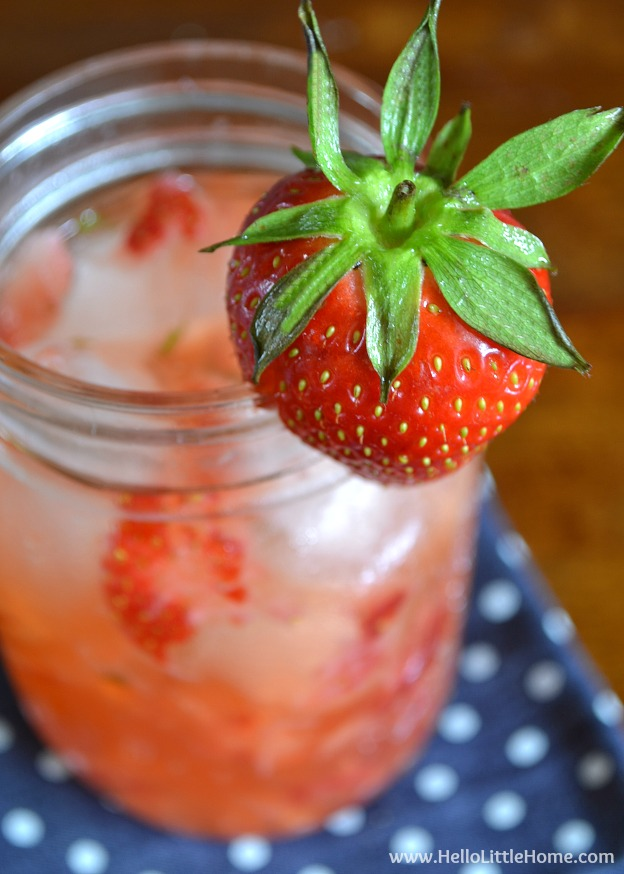 Strawberry Mint Gin and Tonic ... a simple and delicious twist on a classic G&T! | This easy spring / summer cocktail recipe is refreshing and easy to make. It's a drink everyone will love! | Hello Little Home