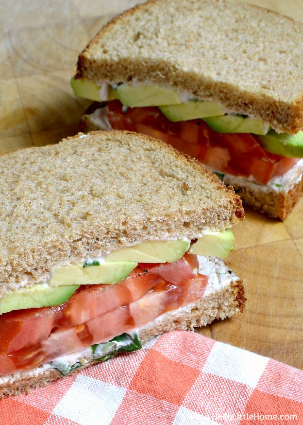You are going to love these Tomato Avocado Sandwiches with Creamy Yogurt Dressing! Get this easy recipe + over 60 more vegetarian summer recipes that are perfect for any occassion! | Hello Little Home