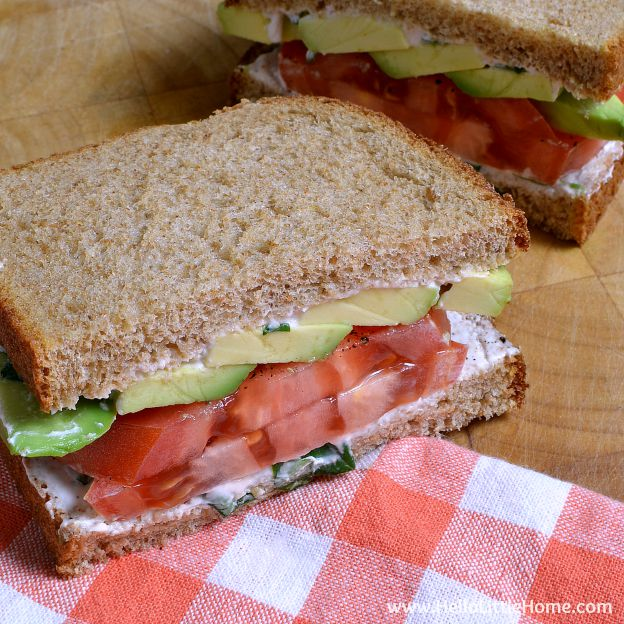 Tomato Avocado Sandwich with Creamy Yogurt Dressing
