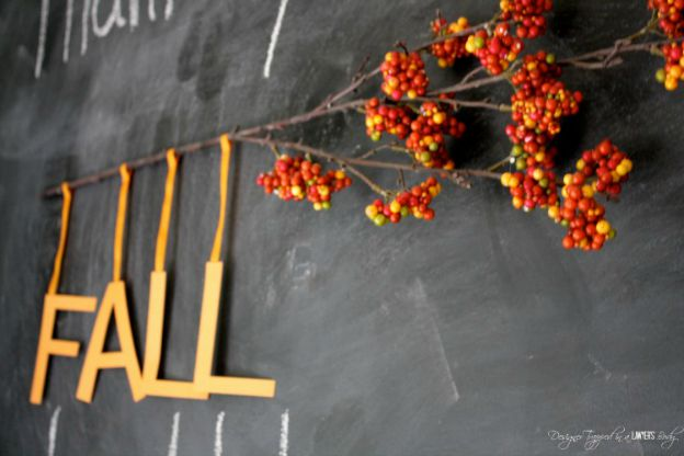 DIY Fall Decorating Ideas: 10 Minute Banner from Designer Trapped in a Lawyer's Body| Hello Little Home